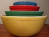 Feel the love: Pyrex Primary Colors mixing bowl set